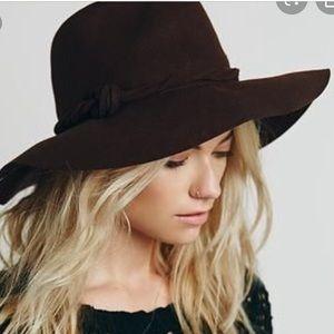 Free People black wool floppy fedora hat 🌻